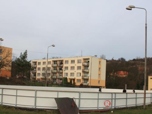 Hokejbal rekreační - Žiželice - leden 2010 - ČR -  Výstavba nových multifunkčních mantinelů v Žiželicích.