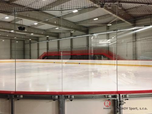 Hokejové mantinely PADOK IceRink - Praha - Prosinec 2017 - ČR - Pro investora Padok Investments jsme realizovali hokejové mantinely EURO EXTRA...