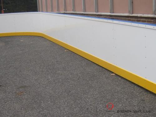 Rekreační mantinely pro syntetiský led - Bratislava - listopad 2011 - SK/ČR -  Dnes jsme dodali nové rekreační mantinely pro syntetický led...
