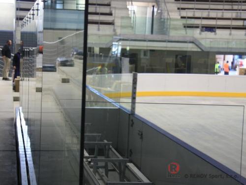 Profesionální hokejové mantinely - ZS Chomutov - únor 2011 - ČR -  Dne 8.2.2011 jsme definitivně dokončili výstavbu nových hokejových mantinelů...