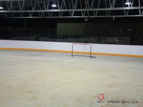 Hokejové mantinely - ZS Siedlce - listopad 2010 - PL -   Nový zimní stadion v Siedlci má již postavené...