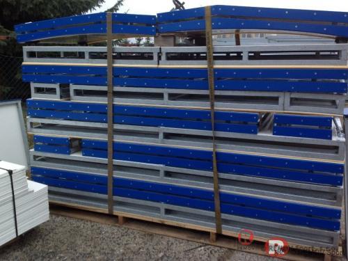 Hokejové mantinely EURO EXTRA, Bělorusko - Korona - listopad 2012 - BLR - Dodávka hokejových mantinelů 47x25,7 m do nákupního centra v Běloruské...