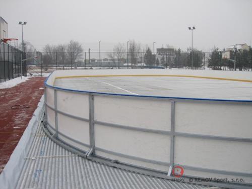 Rekreační mantinel Oborniki - prosinec 2011 - PL -  Pouhý jeden den před Štědrým dnem jsme v polských...