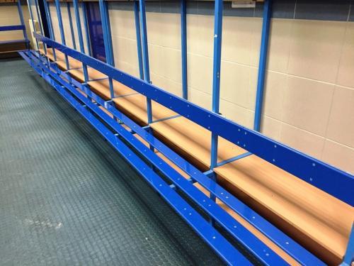 Remodeling lavic v šatnách na ZS Plzeň - Remodeling lavic na zimním stadionu Plzeň. Varianta s...
