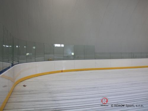 Hokejové mantinely - Zimní stadion Námestovo - září 2011 - ČR -  U Oravské přehrady vyrostl pěkný rekreační stadionek i s...