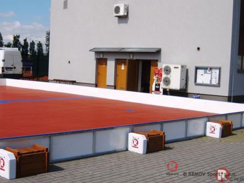 Rekreační in-line mantinely - Praha - květen 2013 - ČR -  Dnes jsme do sportareálu v Satalicích dodali nové rekreační...