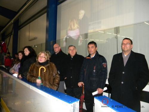 Hokejové mantinely - ZS Čaňa - září 2011 - SK -  Dne 30.9.2011 jsme předali nově postavené hokejové mantinely EURO...