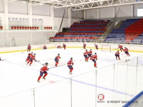 Hokejové mantinely v nedalekém Neměcku 2021 - Leden 2021 - DE - Další z řady profesionálních hokejových mantinelů z naší produkce. Realizace...