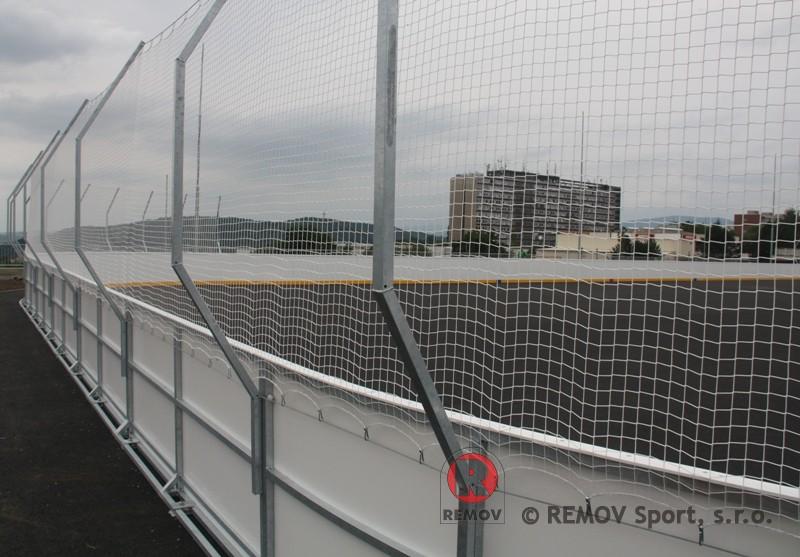 Bandy do hokejbal - EURO HOKEJBAL - zavěšení sítí